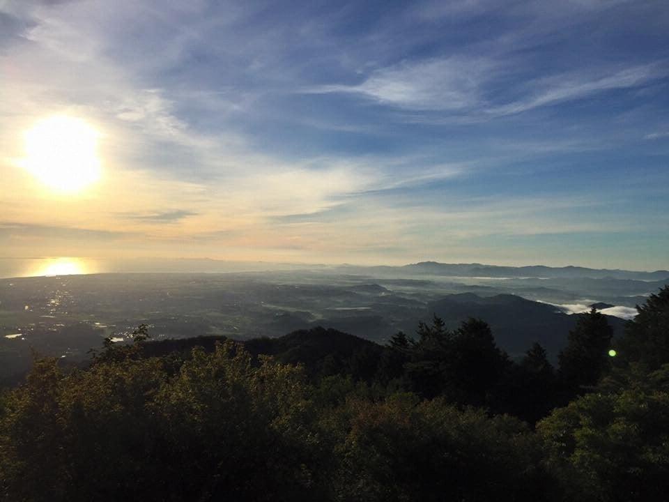 阿坂城跡頂上からの朝日